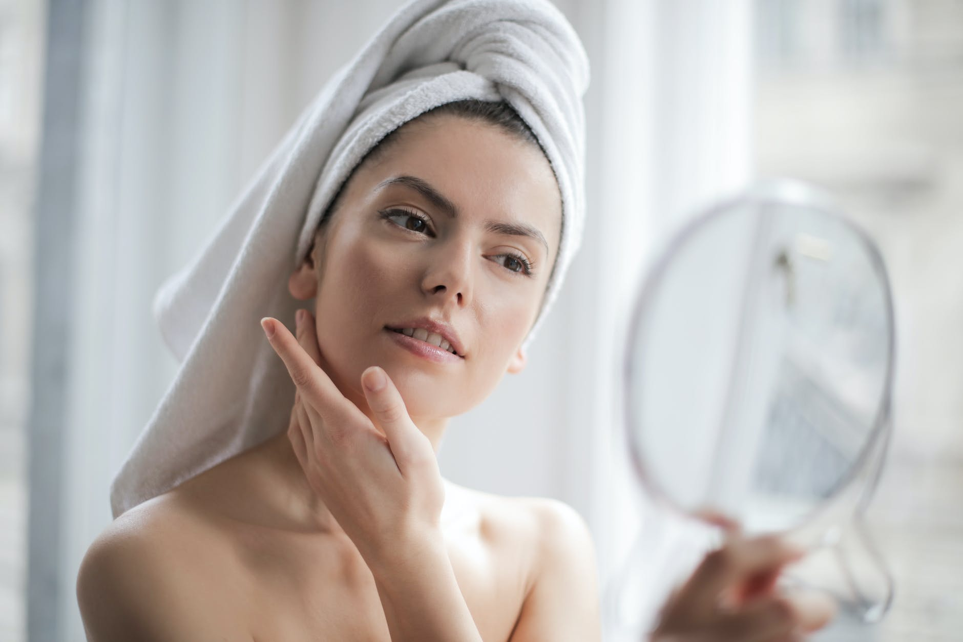 How to build a skincare routine – 9 Easy steps