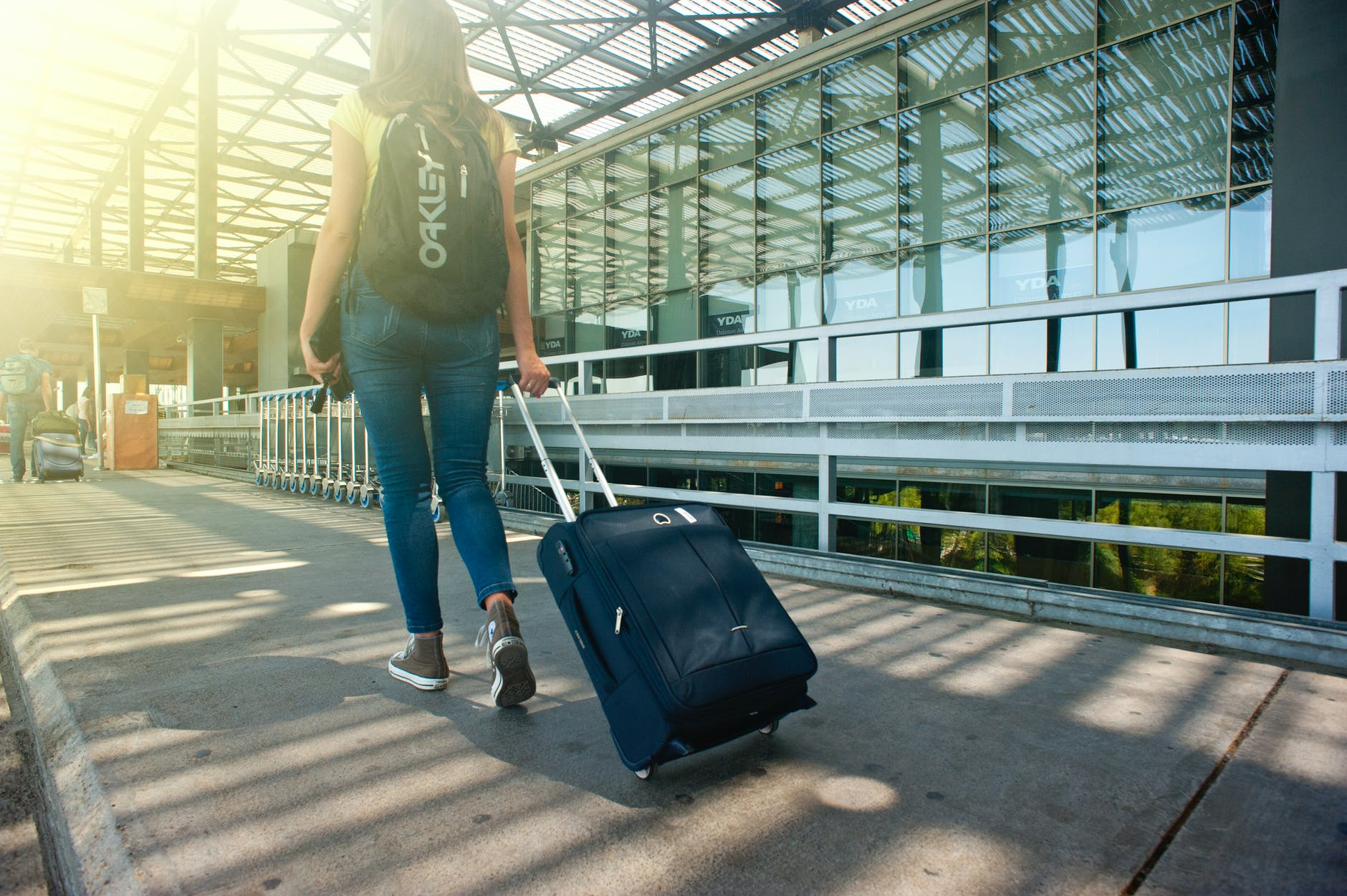 6 Expert-Approved Ways to Travel on a Budget