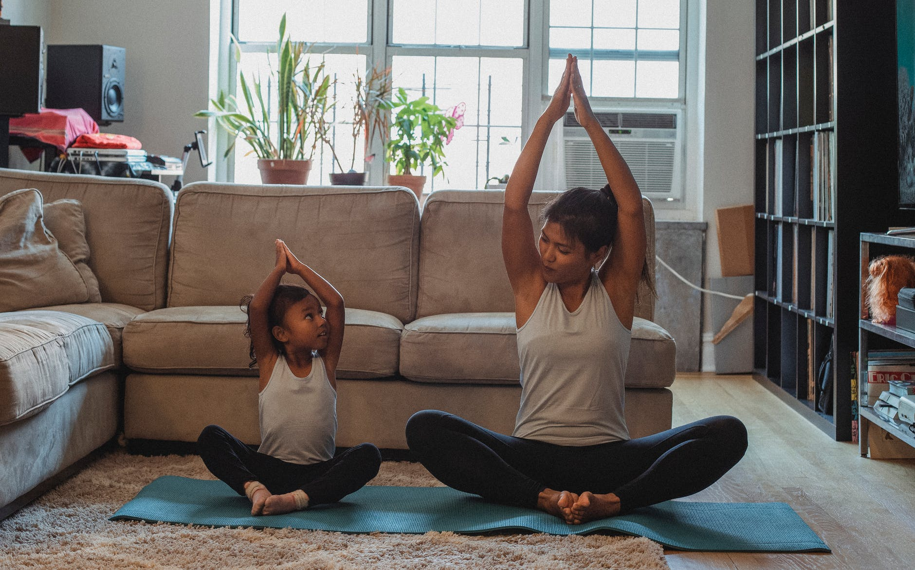 Basic yoga poses : 12 common yoga moves and how to do it