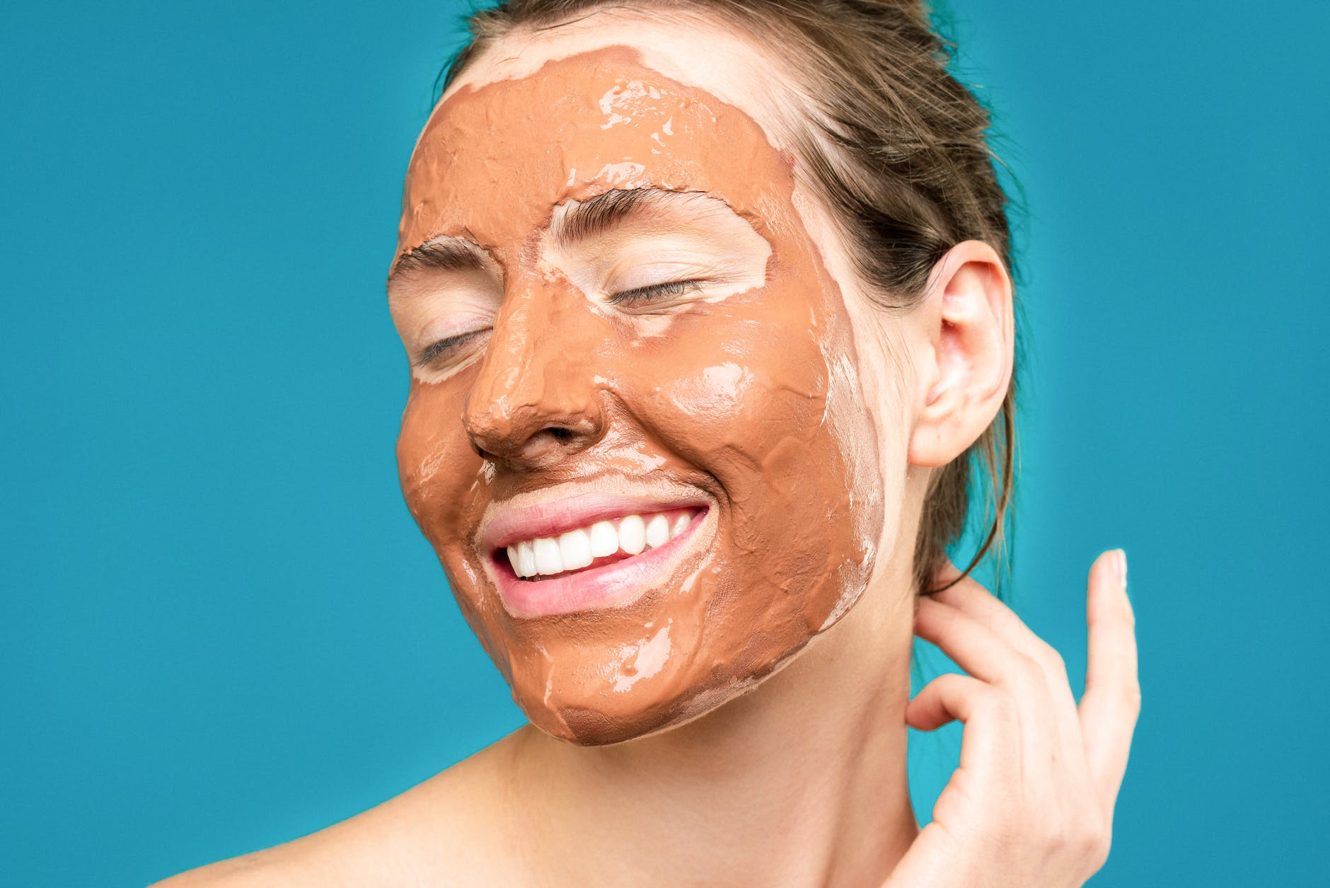 6 Best Mud Masks For The Face – Top Picks Of 2021