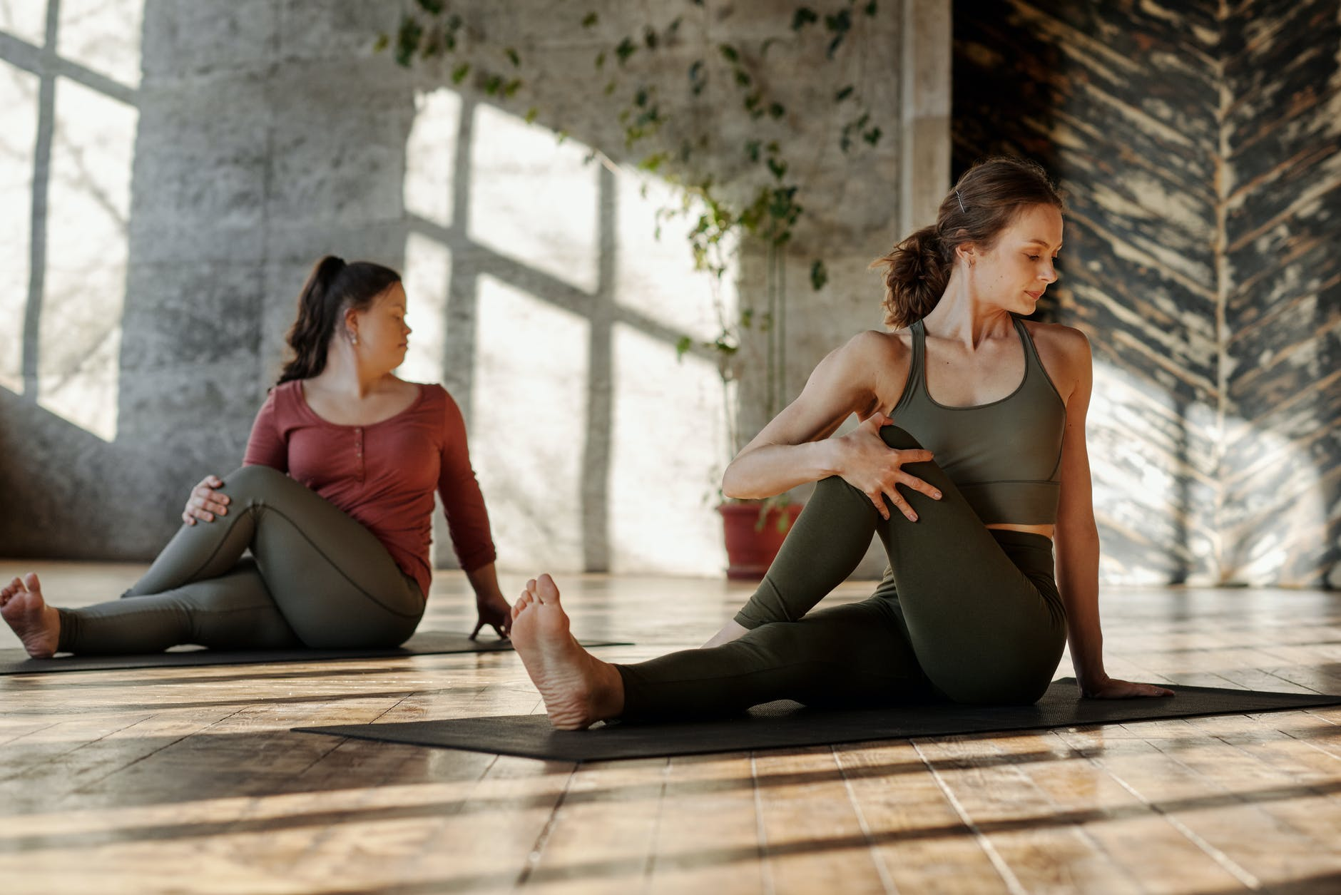10 Morning yoga poses: beginner, Intermediate and advanced