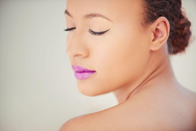 Winged Eyeliner Dusky Pink Nude Lips 1