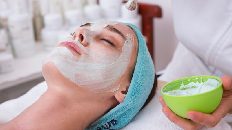 5 Best Face Packs & Masks for Glowing Skin