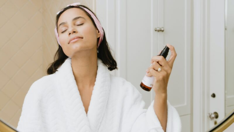 How to Layer Products in Your Morning Skin-Care Routine perfectly